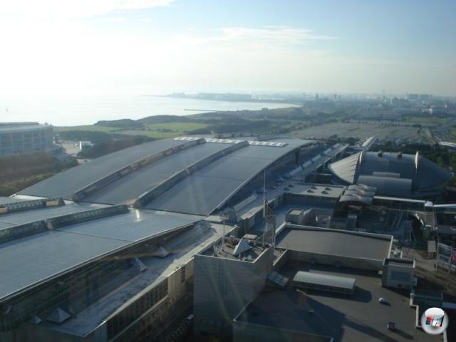 Ein Blick auf die Messehallen sowie die nähere Umgebung aus der Perspektive des gemeinen Hoteladlers. 2156453