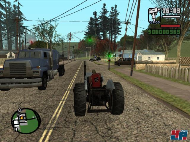 Es warten über 180 Vehikel auf euch - u.a. ein gemütlich tuckernder Traktor.