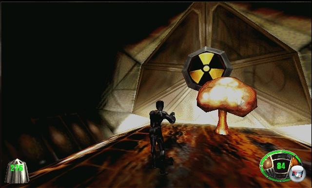 <b>Kleinste Atombombe der Welt (MDK): </b><br><br>George W. Bushs Traum von der Mini-Nuke war schon Jahre vor seinen Halluzinationen Realität - dankbarerweise nur virtuell, und doppelt dankbarerweise als spaßiges Handtaschenutensil, direkt neben Lippenstift und Scharfschützengewehr. Shinys brillanter Shooter MDK hatte nicht nur einen Hausmeister auf Weltenrettermission und einen vierarmigen, Zigarren rauchenden Hund, sondern auch die kleinste Atombombe der Welt. Die konsequenterweise auch den kleinsten Atompilz der Welt nach sich zog. Und den kürzesten nuklearen Winter sowieso. 1914963