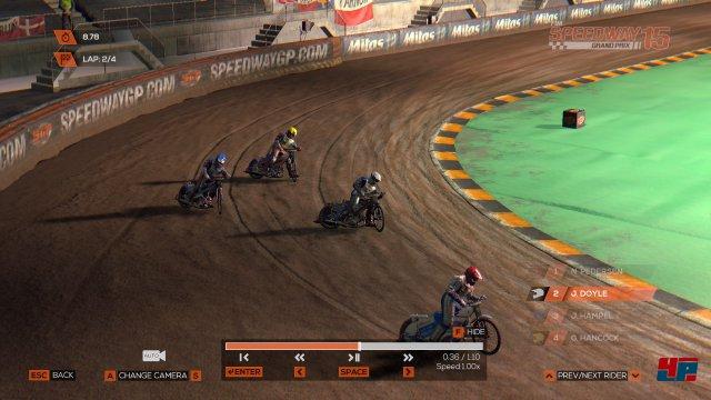 Die Stadien sehen nicht überragend aus, fangen die Stimmung der Speedway-Rennen aber überzeugend ein.