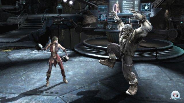 In jeder Arena gibt es viele Fallen, die genutzt werden können (und sollten), um dem Gegner das Leben zusätzlich zur Hölle zu machen. Hier: Granaten.