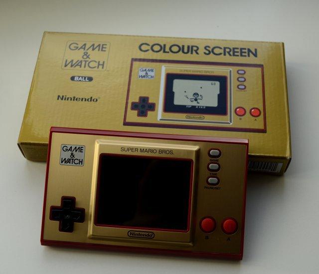 Schöne Kiste für Sammler: Game & Watch-Geräte sind ein heißes Thema für Sammler - gut also, dass das neue Gerät schickt verpackt ist.