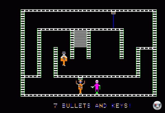 1981 waren Blindschleichen out, dafür Nazischleichen in: Silas Warner veröffentlichte sein »Castle Wolfenstein« über Muse Software und begründete damit das Genre der Stealth-Action. In dem Apple 2-Spiel musste ein Agent die 60 Räume von Schloss Wolfenstein nach Dokumenten durchsuchen, die den Zweiten Weltkrieg beenden könnten. Man konnte zwar ballern, aber Munition war ein rares Gut, und der Lärm sorgte für viel unnötige Aufmerksamkeit. Also schlich man vorsichtig an Wachen vorbei, klaute Uniformen, um sich zu tarnen und durchwühlte die Taschen erledigter Feinde nach nützlichen Items - außerdem durfte man Kisten knacken, die nicht nur nützliche Gegenstände, sondern auch Wein, Schnaps, Eva Brauns Tagebücher sowie, natürlich, Bratwurst enthielten. Ein absoluter Klassiker, der nicht nur durch sein Spielprinzip, sondern auch durch die Verwendung digitalisierter Sprachausgabe für Aufsehen sorgte - die Gegner schrien »Halt!«, »Kommen Sie!« und »Raaargchhhh!«, was damals eine Sensation war. Zusatzanekdote: John Romero und John Carmack waren riesige Fans des Spiels, deren 3D-»Nachfolger« sollte ursprünglich auch viel schleichiger sein - schlussendlich entschied man sich aber dagegen und verlagerte den Schwerpunkt auf die Balleraction... 2081863