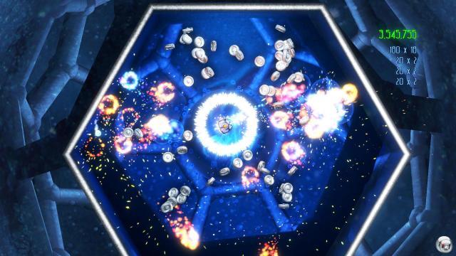 Blast Factor<br><br>Auch Sony wollte zum Start seines PlayStation-Network-Dienstes für die PS3 einen süchtig machenden 2D-Shooter im Programm haben. Blast Factor geht die Sache deutlich ruhiger an als Geometry Wars und lässt sich eher mit Mutant Storm vergleichen. Die Reise führt euch durch mehrere leuchtende Kammern. Statt atemloser Dauer-Action ist hier Entspannung zu stimmungsvoller Ambient-Musik angesagt. Sogar die Bewegungserkennung des Six-Axis-Controllers kommt zum Einsatz. Neigt das Joypad nach links und schon werden manche eurer Widersacher an den linken Rand des Beckens geschwemmt und geben ihre Schwachstelle frei. Auch für Blast Factor ist übrigens ein Nachfolger in Arbeit. 1716799