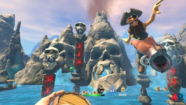 Fass oder Pirat? Egal - beide Wurfgeschosse bringen die roten Säulen zum Einsturz.