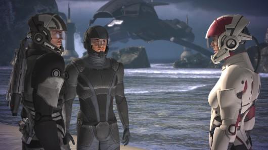 Platz 1: Mass Effect<br><br>Emotionen, Entscheidungen, Echtzeitkämpfe: Mass Effect baut auf den besten Elementen auf, die von den Rollenspiel-Meistern aus Kanada mit Titeln wie Star Wars: Knights of the Old Republic und Jade Empire eingesetzt wurden. Und obendrauf gibt es eine offene Galaxie, in der man sich frei bewegen kann, ein glaubwürdiges SciFi-Universum und eine Prachtkulisse, die den Grafikchip der 360 glühen lässt. Mass Effect zeigt Bioware auf dem Gipfel ihres Schaffens, und ist nicht weniger als ganz großes Rollenspiel-Kino! 1713638
