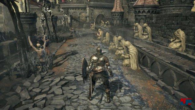 Obwohl ein gehöriger Schuss Bloodborne das Artdesign befruchtet, bleibt es bei mittelalterlicher Fantasy.
