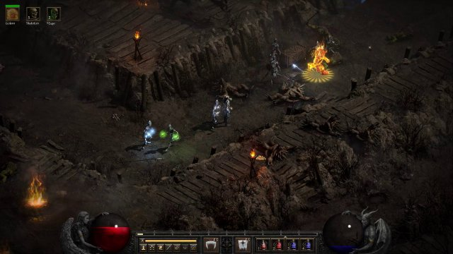 Diablo 2 Resurrected umfasst überarbeitete Fassungen von Diablo 2 und Diablo 2: Lord of Destruction (Add-on). Die Erweiterung umfasste z.B. Druide und Assassine als neue Klassen, den fünften Akt, Runen bzw. Runenworte für Items mit Sockeln und Zauber als Buff-Gegenstände für das ohnehin dauervolle Inventar.