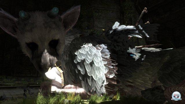 <b>The Last Guardian (PS3) </b><br><br> Die Hoffnung stirbt zuletzt! Die unzähligen Verschiebungen sind in der Redaktion zwar schon zum Running Gag geworden - zumindest Jörg lässt sich aber nicht vom Glauben an einen Release abbringen. Gerüchten zufolge soll The Last Guardian erst auf Sonys kommender Konsole erscheinen, außerdem hat mittlerweile sogar Fumito Ueda das Team verlassen. Potential ist aber nach wie vor vorhanden: Wir hoffen, dass das Spiel ums mysteriöse Federwesen noch die Kurve kriegt und ein ähnlich intensives Erlebnis bietet wie die spirituellen Vorgänger Ico und Shadow of the Colossos. 92434417