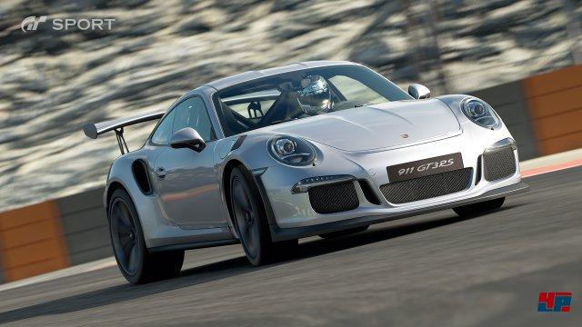 In den Fahrschul-Lektionen lernt man u.a., wie man Sportgeschosse von Porsche & Co beherrscht.