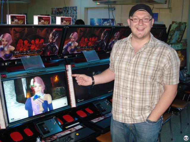 ...jede Menge Tekken 6-Automaten, mit denen man einen freilaufenden Kautz sehr glücklich machen kann... 2008218