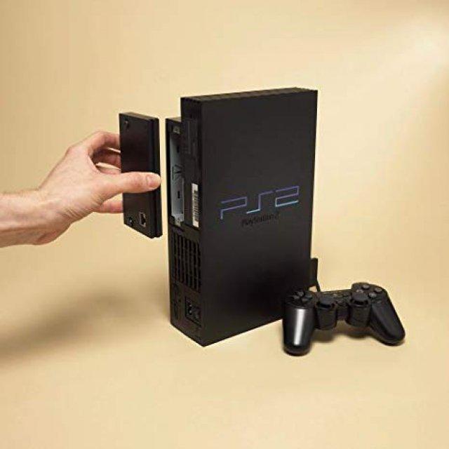 Mit Hilfe eines optionalen Netzwerkadapters mit Ethernet-Anschluss begann auf der PS2 das Online-Zeitalter.