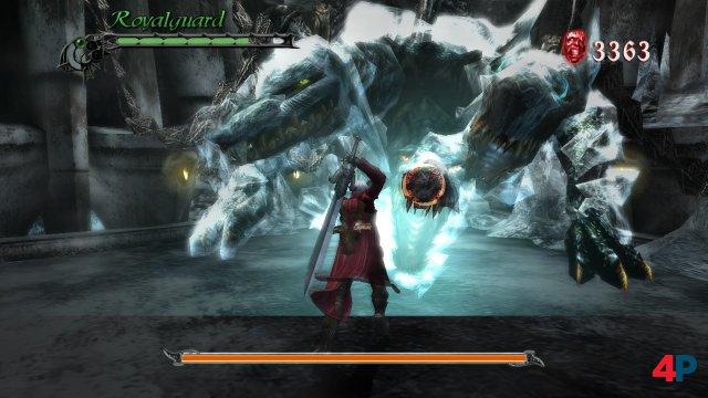 Gestatten, Kerberos: Der legendäre, dreiköpfige Höllenhund ist eiskalt - und der erste ernstzunehmende Levelwächter in DMC3.