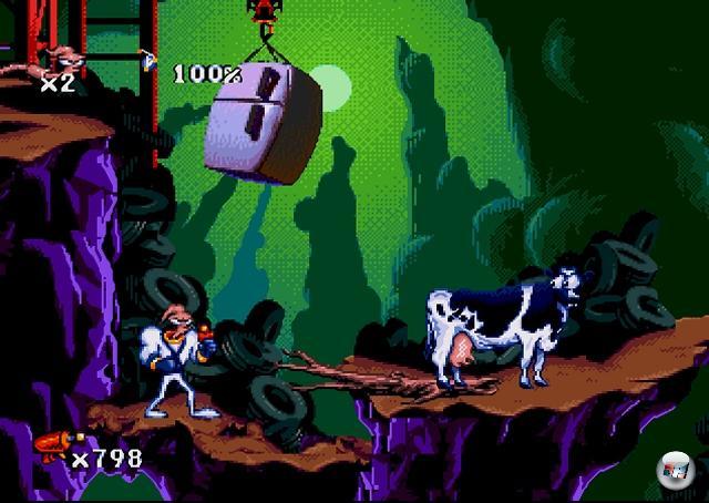 <b>Earthworm Jim</b><br><br>Wir reden hier nicht nur von zwei der nachweislich besten Jump-n-Runs aller Zeiten, die mit einem unwürdigen 3D-Nachfolger gestraft wurden. Wir reden hier von Spielen, die sich um einen Regenwurm drehen, der durch einen vom Himmel gefallenen Superanzug zum Superregenwurm mit Superschleimrucksack und Superlaser wurde, der eine garstige Krähe bekämpft, welche eine Prinzessin entführt hat, deren Namen sich keiner merken kann! Das ist Hollywood-Material! 1966093