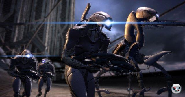 <br><br>Allerdings sind Shepard und seine/ihre Mannschaft nicht allein auf der Suche nach dem Artefakt: Die kybernetische Rasse der Geth ist ebenfalls an dem Klunker interessiert. Kurz vor der Ankunft von Shepard wird Eden Prime von den Geth angegriffen. 2051248
