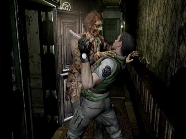<b>Michael: Resident Evil (GameCube)</b><br><br>Mir ist schon mehr als ein Mal bei den nicht wenigen Vertretern des Survival Horror-Genres das Herz in die Hose gerutscht und es gibt viele Schockmomente, die ich hier anführen könnte. Ich habe mich einfach mal für das Resident Evil-Remake auf dem GameCube entschieden. Erinnert ihr euch noch an die Leichen, die in manchen Räumen einfach auf dem Boden liegen? Man geht zu ihnen, untersucht sie sogar... und nichts passiert. Bis ihr später irgendwann erneut an den Kerlen vorbeilauft, sie plötzlich aufspringen und nicht langsam und stöhnend auf euch zutorkeln, sondern im Laufschritt die Verfolgung aufnehmen. Da stand mir der Angstschweiß auf der Stirn, genau wie bei meinem ersten Besuch in der alten Hütte. Als ich am Fenster flüchtig beobachtete, dass der »nette« Bewohner eine Etage tiefer die Hütte betritt, sah ich mich gegen vier Uhr morgens bis dato zum einzigen Mal dazu gezwungen, meine Konsole aufgrund einer zu großen nervlichen Anspannung abzuschalten. Die herrlich-schaurige Musik hat mir in dieser Szene wohl endgültig den Rest gegeben. 1904008