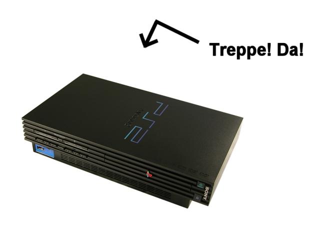 Auf dem Papier hatte die PS2 einen schweren Stand gegen die Dreamcast, gerade der mit 4MB erschreckend mickrig dimensionierte Video-RAM schien grafisch aufwändige Spiele nahezu unmöglich zu machen. Technische Spezifikationen sind aber eine Sache, findige Entwicklung ist eine andere. Und so soll die PS2 bis heute eine der am komfortabelsten und resourceneffizientesten zu programmierenden Konsolen überhaupt sein. Eines konnten aber auch die cleversten Entwickler nicht aus der Welt schaffen: Die Abwesenheit von Hardware-Anti-Aliasing, was der PS2 mit ihren Polygontreppchen schnell den Ruf einer Flimmerkiste einbrachte. 2177323