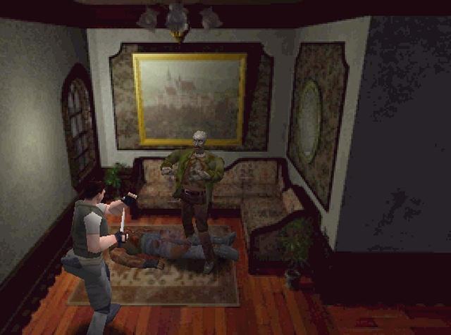 <b>Mathias: Resident Evil</b><br><br>Obwohl abgehärtet durch einschlägige Filme, werde ich niemals das Gefühl vergessen, als ich die Tür nach der »Esszimmer-Halle« öffnete und dann einen grafisch opulenten Blick auf einen Zombie werfen konnte, der genüsslich an einem Mahl sitzt... Nun gut, dieser Moment ist nicht wirklich erschreckend, doch ich war schockiert, dass Capcom es wirklich wagt, Szenen, die man bisher nur aus George Romero- oder Lucio Fulci-Filmen kannte, in ein Spiel einzubauen. Der gnadenlose Adrenalinkick schließlich folgte kurz darauf, als ich durch einen Flur schlich, nichts ahnend meines Weges ging, als hinter mir urplötzlich ein verwester Hund durchs Fenster bricht. Dies war einer der wenigen Momente, in denen mir in meiner gesamten Zocker-Laufbahn beinahe das Pad aus der Hand gefallen wäre. Und urplötzlich schien Resident Evil in einem anderen Licht: Nie konnte man sicher sein, ob ein ruhiger Moment nicht doch einen Schock nach sich ziehen würde. Das hat mich aber nicht davon abgehalten, Resi, seine Nachfolger und Spiele wie Silent Hill & Co. weiterhin in einem abgedunkelten Raum zu spielen. 1904003