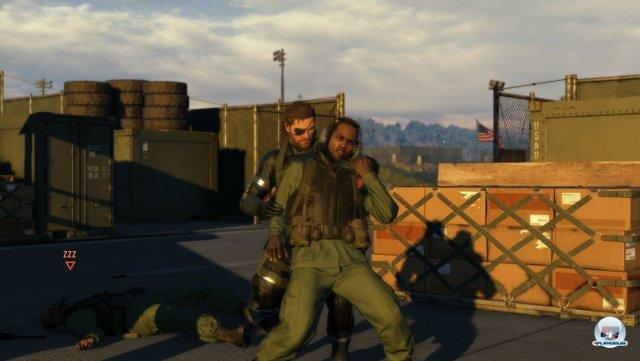 Im Würgegriff lassen sich Wachen auch verhören. Oder man fordert sie auf, Kameraden anzulocken.