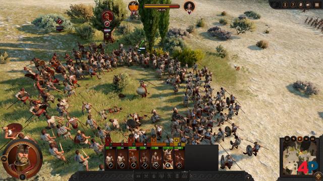 Die Helden der Ilias liefern sich Duelle auf dem Schlachtfeld, aehnlich der Helden-Kämpfe in Three Kingdoms.