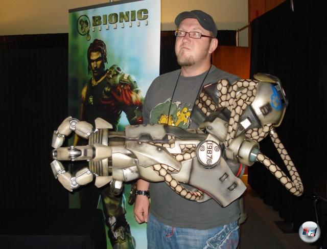 <b>Die Erkenntnis, dass...</b><br><br>...man einen bionischen Arm einfach zu allem tragen kann. 1825198