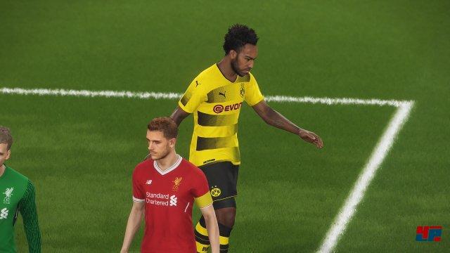 Screenshot - Pro Evolution Soccer 2018 (360) 92552518