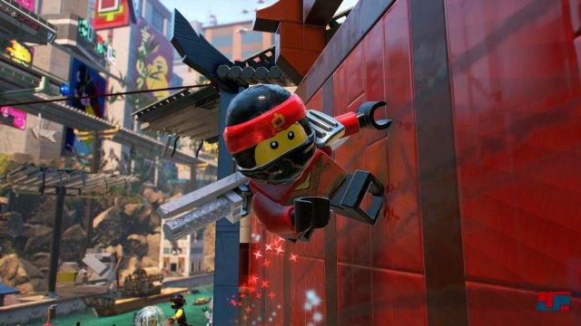 Die Welt von Ninjago City ist kunterbunt.