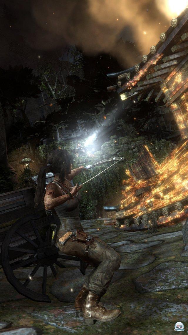 Zu Beginn hat Lara nur einen Bogen, aber schonb bald ein ganzes Waffenarsenal.