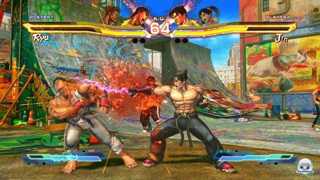 Standardmäßig sind 38 Kämpfer verfügbar, 19 aus Srteet Fighter, 19 aus Tekken. PS3-Spieler bekommen noch fünf Bonusfighter extra.