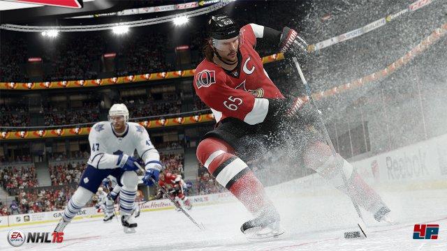 EA hat die Dynamik auf dem Eis weiter verbessert: Der Puck ist besser zu kontrollieren und trotzdem unvorhersehbarer.