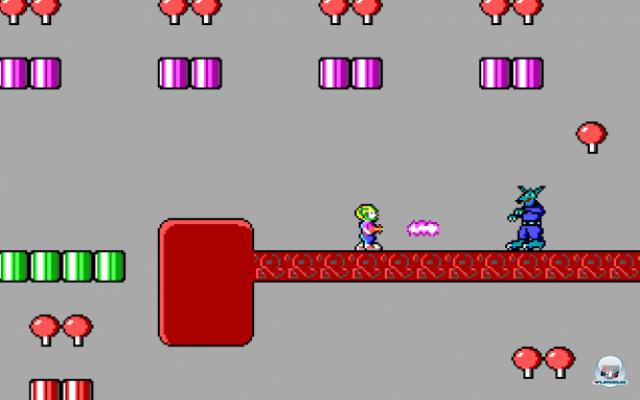 <b>Der PC lernt scrollen</b><br><br> Im Jahr 1990, also noch während ihrer Zeit bei Softdisk, entwickelten Carmack, Romeo & Co. ihr erstes großes Spiel Commander Keen, welches ab 1991 von Apogee als Shareware vertrieben wurde. Der knackige Action-Plattformer war eine Besonderheit auf dem PC. Carmack entwickelte dafür den technischen Kniff