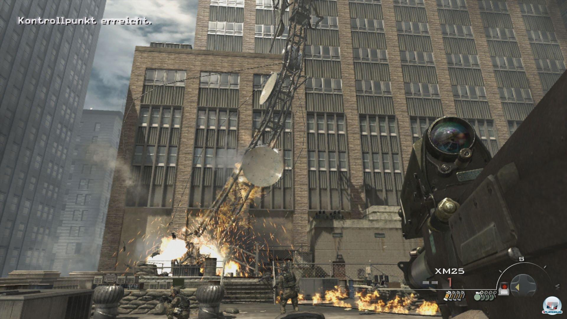 Baum fällt: In New York kämpft man auf das Dach der Börse, um einen Radarstörer zu beseitigen.