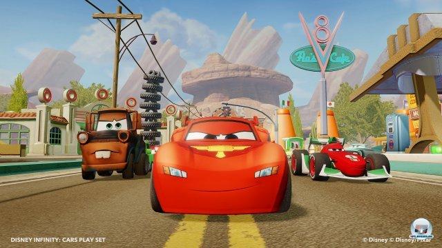 Die Helden aus Cars sowie Radiator Springs als Spielwelt sind als seperate Figuren bzw. Playset erhältlich.