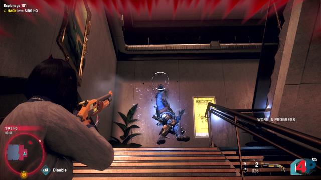 Shotgun-Treffer: In einem Treppenhaus lauern Wachen, die aber keine Chance gegen unsere (nicht-tödliche) DedSec-Ausrüstung haben.