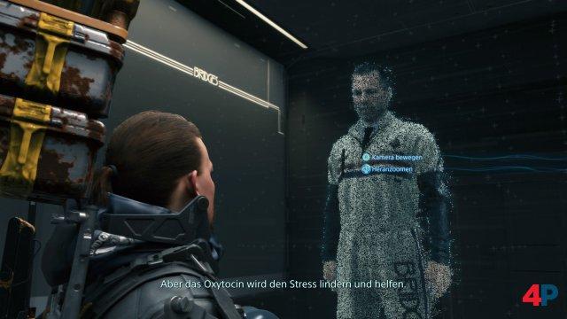 Die Menschen leben in Bunkern. Sam hat meist Kontakt mit Hologrammen.