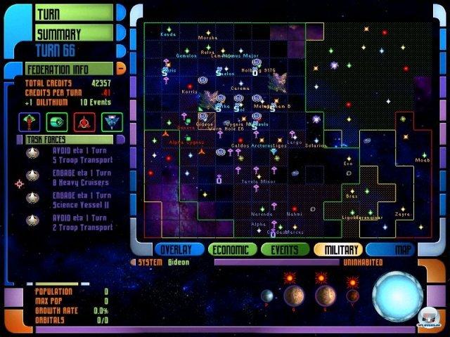 <b> Star Trek: The Next Generation - Birth of the Federation (1999, Microprose) </b> <br> <br> 1999 erscheint das 4X-Rundenstrategiespiel Birth of the Federation, welches in der Tradition des altehrwürdigen Master of Orion steht. In dem komplexen Titel kann man aus fünf Fraktionen wählen, neben der Sternenflotte und den Klingonen waren auch die Cardassianer, Romulaner und Ferengi spielbar. Ähnlich wie in Master of Orion galt es damals rundenbasiert die Galaxis zu erobern. 92459702