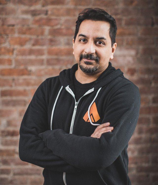 Velan-Studios-Chef Karthik Bala hat das Entwicklerteam 2016 zusammen mit seinem Bruder Guha gegründet.