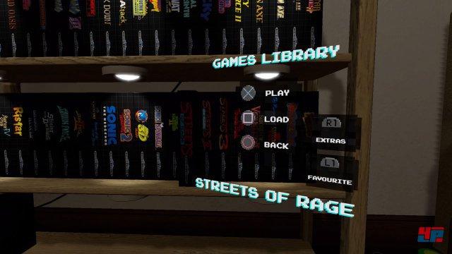 Die über 50 Titel sind säuberlich und nach Alphabet sortiert im Regal einsortiert.