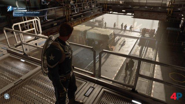 Captain America an Bord der Chimera, einer Art Hauptquartier.