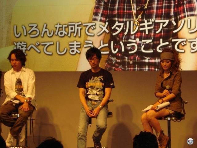 Garstige Naturen würden behaupten, dass Hideo Kojima hier gerade einen ersten Blick auf sein neues Spiel geworfen hat. Aber wir sind ja nicht garstig. War halt gerade ein sehr nachdenklicher Moment für den Design-Meister. 2012403