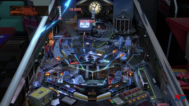 Einschlagende Blitze, Doc Brown hängt an der Rathausuhr: Hinsichtlich der Inszenierung liefern die Zen Studios mit Zurück in die Zukunft einen ihrer besten Tische ab.