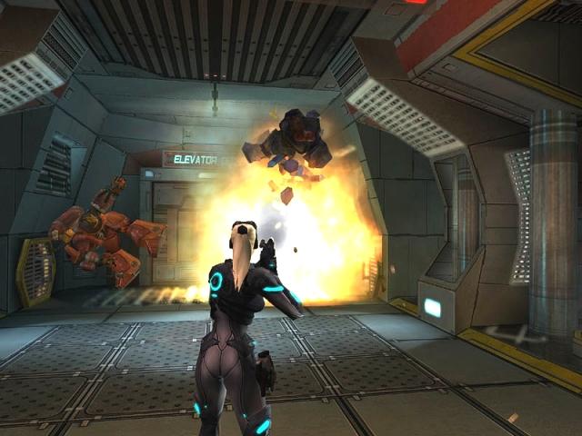 StarCraft: Ghost<br><br>Ghost ist eine traurige Geschichte: Die Entwicklung zog sich ewig hin, mehrere Entwicklerfirmen verbrannten sich daran die Finger, mehrmals wurde das Spielkonzept komplett umgebaut. Der letzte Stand war, dass man in der Rolle des weiblichen Ghosts Nova vier Jahre nach den Geschehnissen aus StarCraft: Brood War ein taktisches Actiongame mit Stealth-Elementen zu spielen bekommen hätte. Hydralisken hier, Belagerungspanzer da, Protoss-Träger in der Luft - Fans des berühmten Strategiespiels hatten Schwierigkeiten, ihren Sabber unter Kontrolle zu bekommen. Und doch sollte es nicht sein: 2001 wurde mit der Entwicklung begonnen, Xbox, PS2 und GameCube sollten die Plattformen der Wahl sein (keine PC-Version - Skandal!). Dann wurde das Projekt immer weiter nach hinten geschoben, nach Blizzard kümmerte sich Nihilistic Software um das Game, dann die Swingin' Ape Studios, dann wurde der GameCube-Port gekippt - und 2005 schließlich das gesamte Projekt dauerhaft auf Eis gelegt. Wohlgemerkt: Beerdigt wurde es offiziell bislang nicht. Nur sollte man besser nicht all sein Geld auf einen baldigen Release setzen. Und schon gar nicht bis dahin die Luft anhalten. 1751763