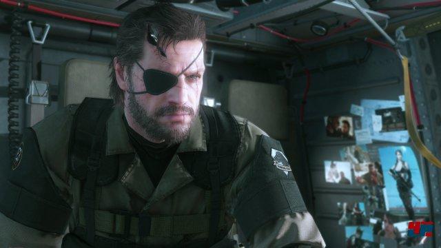 Snake muss einmal mehr eine Armee errichten.