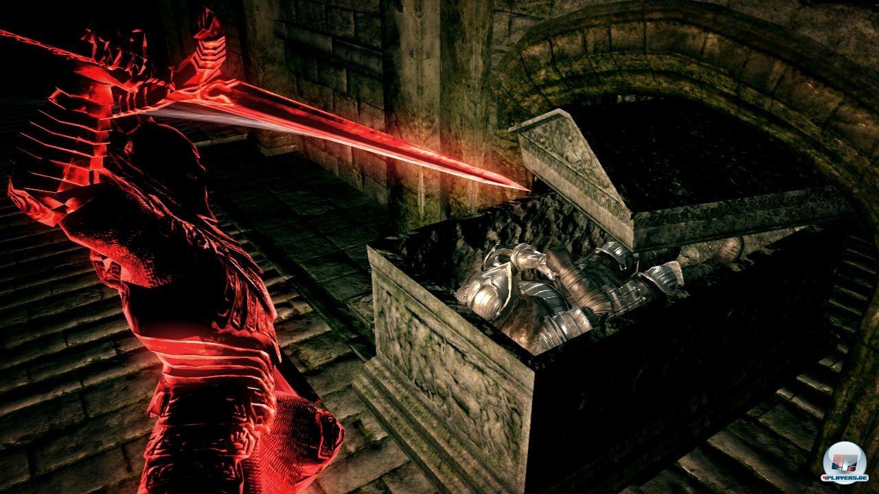 Vorsicht: Wer online spielt, kann auch von schwarzen Phantomen überrascht werden.