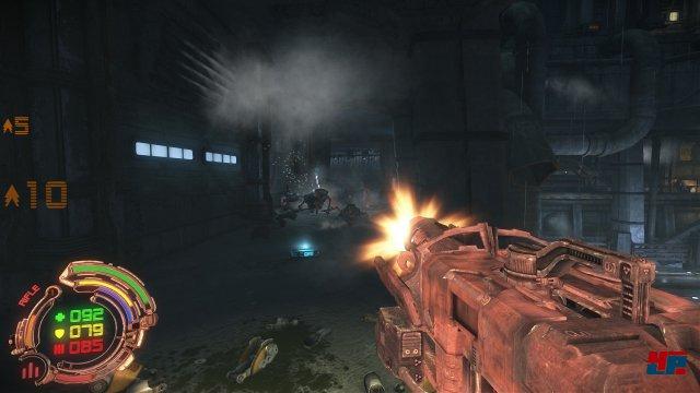 Die Redux-Version von Hard Reset wurde u.a. um neue Lichteffekte und dichteren Nebel erweitert.