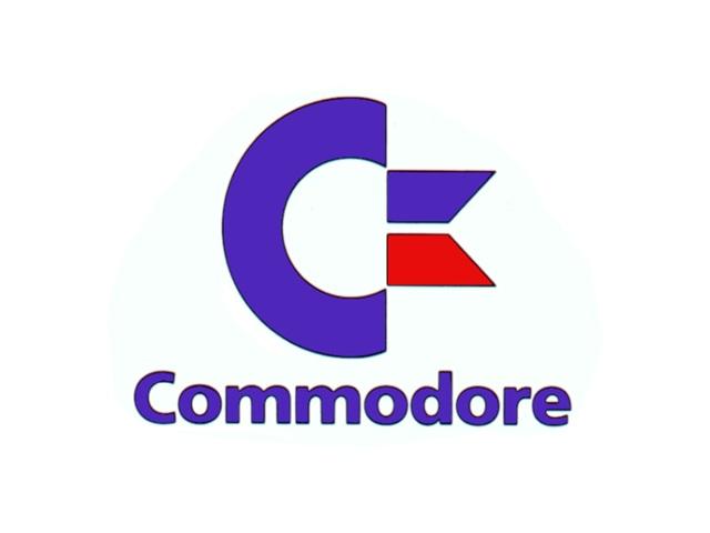 Commodore greift zu <br><br>  Als man Commodore ebenfalls als potenziellen Geldgeber kontaktierte, stellte sich schnell heraus, dass das Unternehmen an einer kompletten Übernahme der Amiga Corp. interessiert war. Durch den Kauf sollten gleichzeitig alle bestehenden Verträge ihre Gültigkeit verlieren - so auch der Deal mit Atari, von dem sich Commodore mit einem Scheck über 500.000 Dollar quasi frei kaufte. Doch mit dem neuen Besitzer änderten sich auch die Pläne: Anstatt mit Lorraine eine Videospielkonsole zu entwickelt, die man zu einem Computer aufrüsten konnte, richtete man den Fokus nach dem großen Crash der Videospielindustrie im Jahr 1983 auf den immer populärer werdenden Markt der Heimcomputer.  2133058