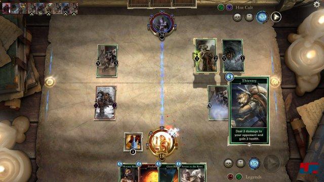 Eine Besonderheit an The Elder Scrolls: Legends ist der Weg über zwei Bahnen.