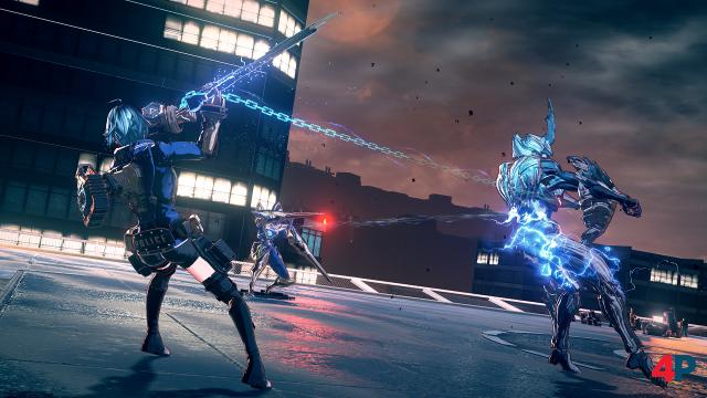 Die Kette, mit der die Legion und der Held verbunden sind, kann im Kampf in verschiedenen Situationen genutzt werden, so z.B. um die Feinde kurzzeitig zu fesseln.