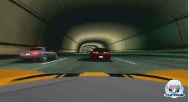 Bei Reaktionstests schaltet das Spiel in die Motorhaubenansicht um.