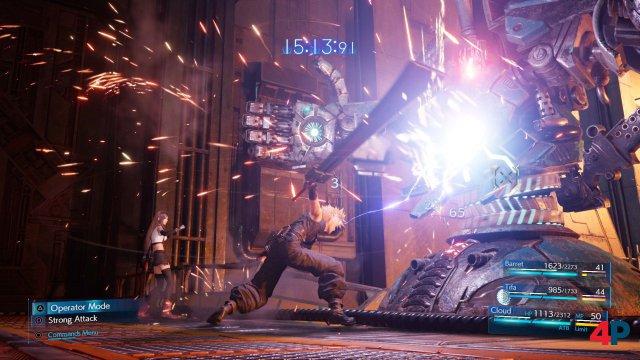 Das Kampfsystem ist ein Hybrid aus Echtzeit-Action und Taktik.